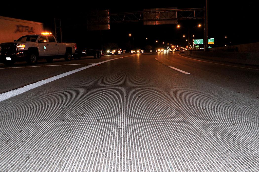 Longitudinally grooved surface