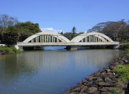 Officials in Hawaii change weight limits on island bridges