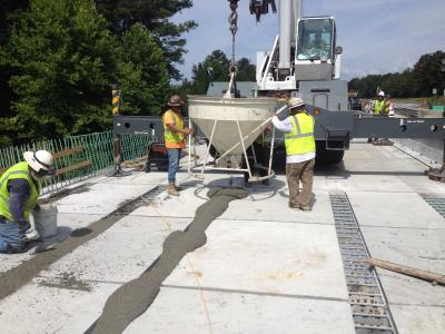 Grid deck closure pour