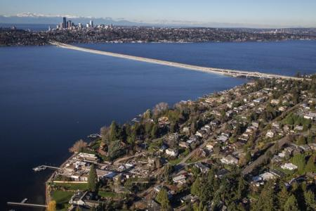 Cost of Seattle light-rail project on I-90 bridge goes up