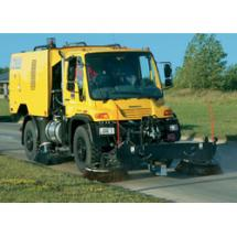 Unimog A7000 regenerative air sweeper